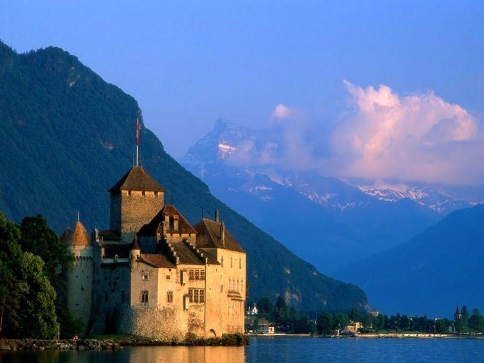 Chillon vizivár Európa legépebben megmaradt középkori várkastélya Montreux mellett a Genfi tóba benyúlva található. Az első középkori várfalakat,- mel