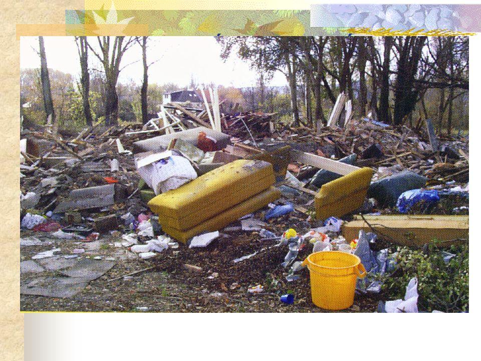 A HULLADÉKKEZELÉS RÉGEN A hulladék minősége hasonló volt a természetes anyagokhoz. Mennyiségük nem akadályozta a természet körfolyamataiba való beépül