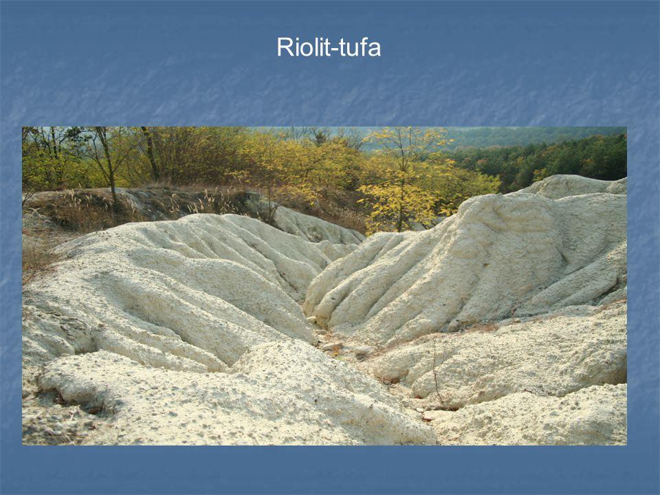 Riolit-tufa