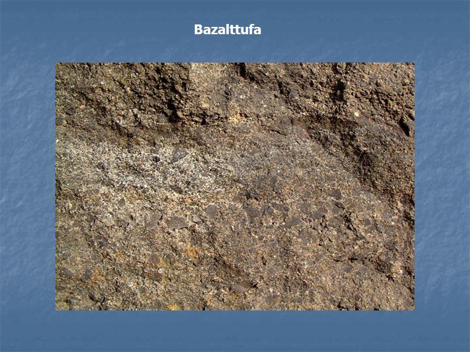 Üledékes kőzetek Osztályozása eredetük szerint: Osztályozása eredetük szerint: Törmelékes (mechanikai, klasztikus, detritális) üledékek Törmelékes (mechanikai, klasztikus, detritális) üledékek Vegyi és oldatból lerakódott üledékek Vegyi és oldatból lerakódott üledékek Szerves üledékek Szerves üledékek