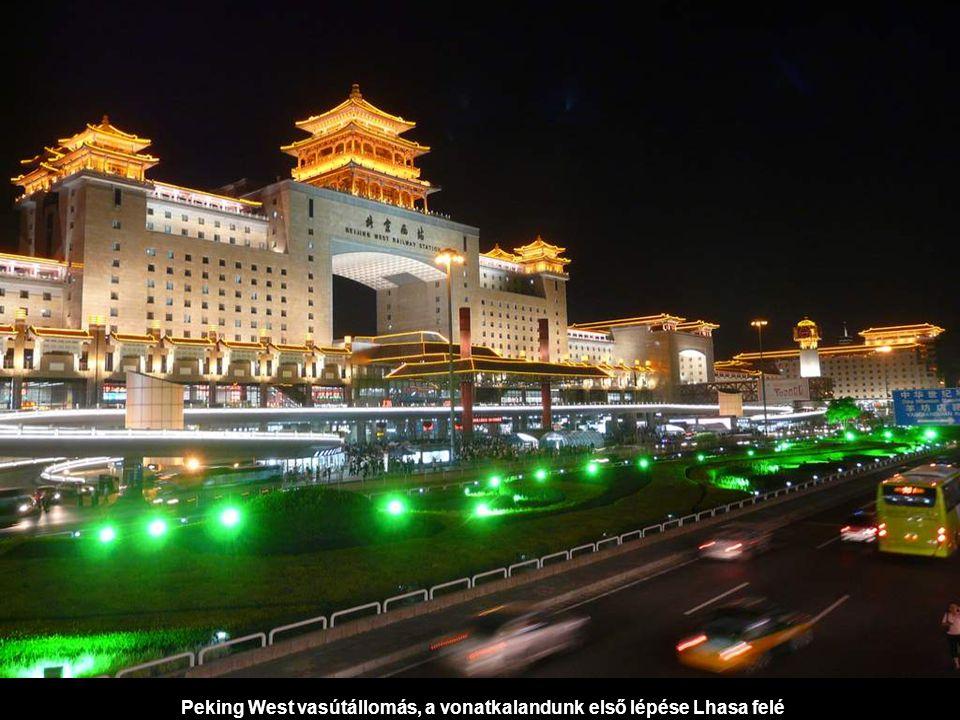 Peking West vasútállomás, a vonatkalandunk első lépése Lhasa felé