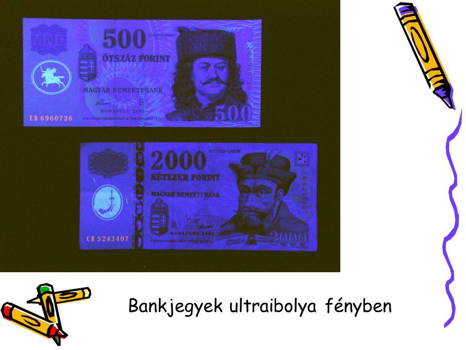 Bankjegyek ultraibolya fényben
