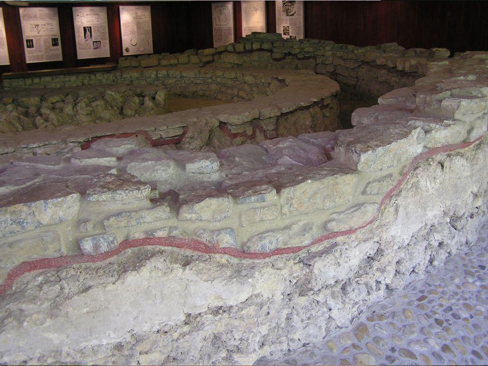 Az épületek nagy száma és az egyedülállóan fennmaradt freskók miatt fontos helyet foglal el a magyarországi régészeti emlékek között. A bibliai jelene