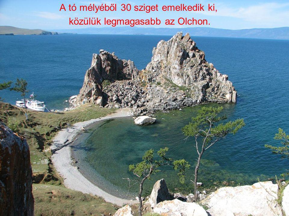 A tó mélyéből 30 sziget emelkedik ki, közülük legmagasabb az Olchon.