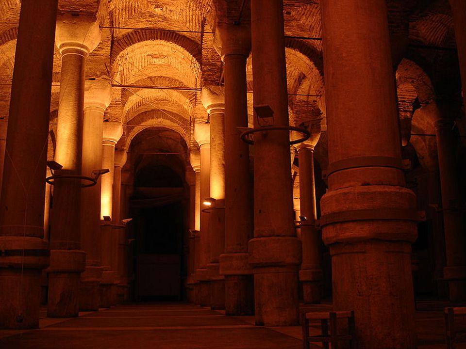 Az oszmán hódítások után a XV.-ik században mérgezéstôl félve a tartályt lezárták, majd a XVI.,-ik században újra felfedezték.