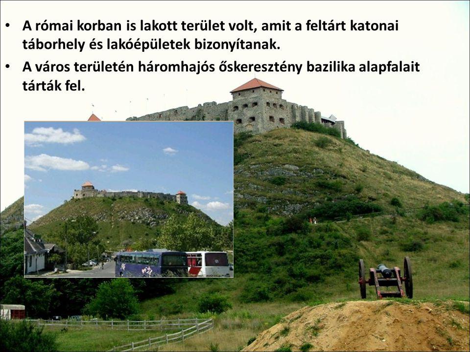 A római korban is lakott terület volt, amit a feltárt katonai táborhely és lakóépületek bizonyítanak. A város területén háromhajós őskeresztény bazili