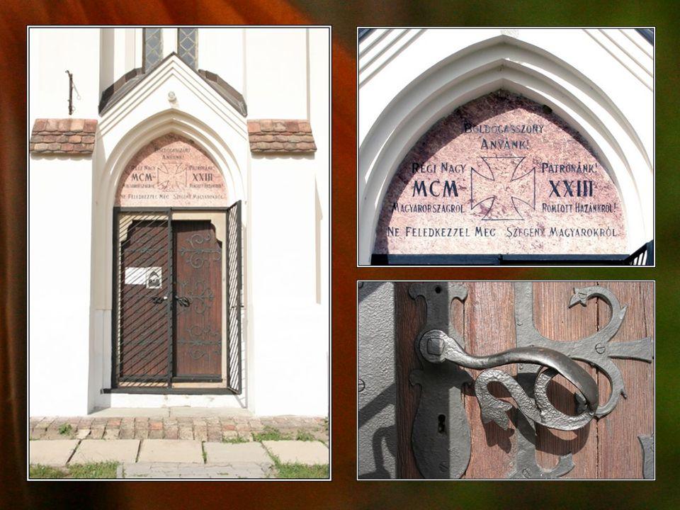 Az oltárt Gardi István helybeli asztalosmester készítette.