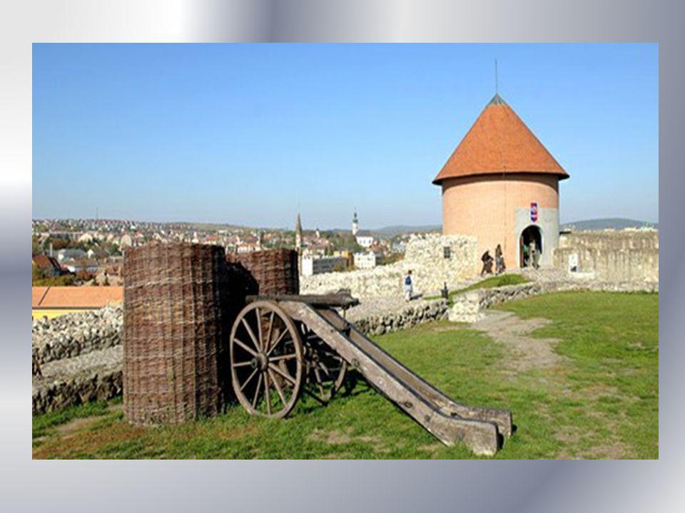 1552.szeptember 4-én indult meg az ostrom.