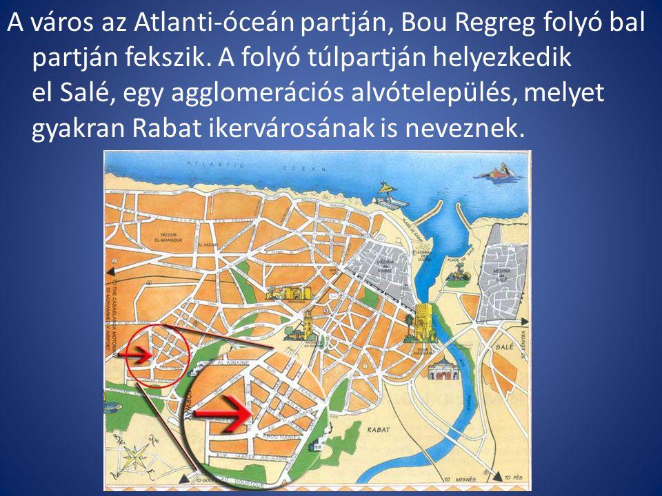 A város az Atlanti-óceán partján, Bou Regreg folyó bal partján fekszik.