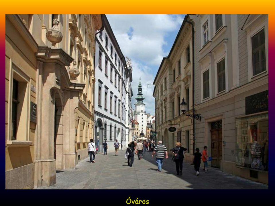 Óváros, Ferencesek tereÓváros