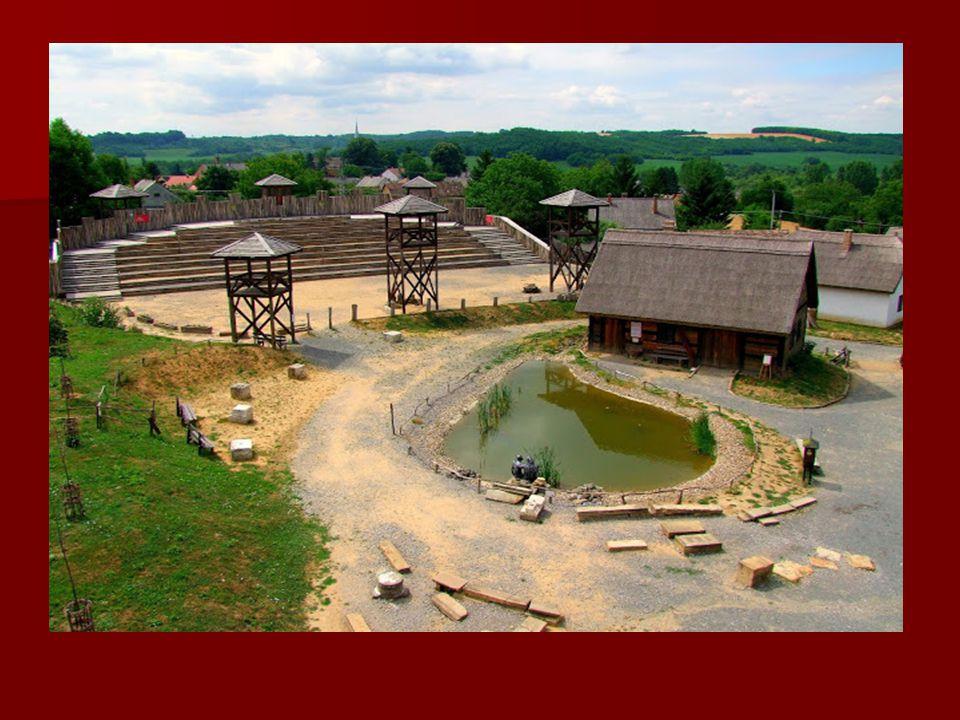 Élménybirtok: A Reneszánsz Élménybirtok Magyarország első tematikus élményparkja. Egyedülálló módon idézi fel és kelti életre a középkori Magyarország