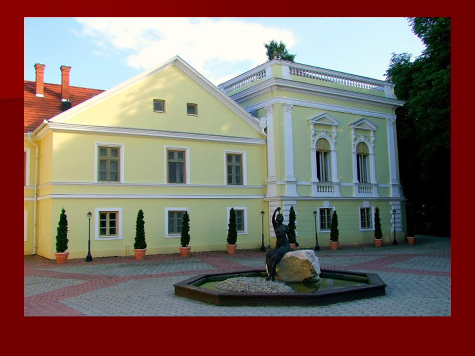 A kastély története: A kastély története: A három falut magába foglaló bikali uradalmat 1841-ben adományozta Puchner Antalnak a császár, tábornokként