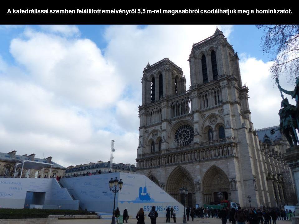 Az « Étienne » harang 1494 kg - 126,7 cm átmér ő j ű.