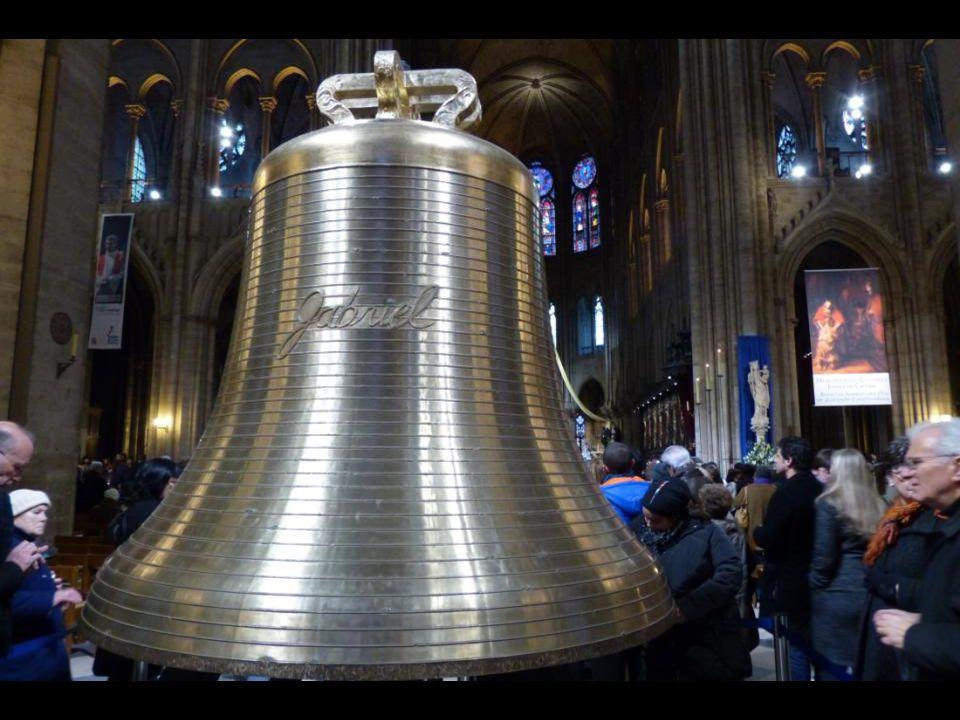 A « Gabriel » harang 4162 kg - 182,8 cm átmér ő j ű. Gábor arkangyalnak, az Úr hírviv ő jének emlékére.