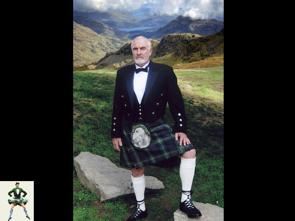 Két skót járja az erd ő t. Az egyikre rájön a szükség, elvonul egy fa mögé.