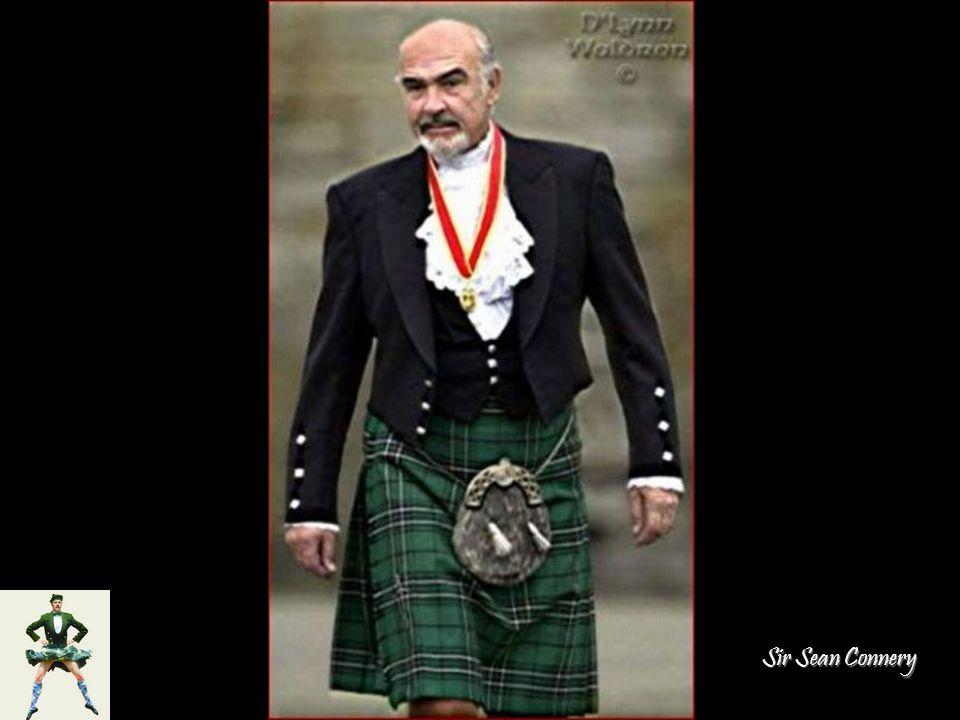 Középen: Sir Sean Connery