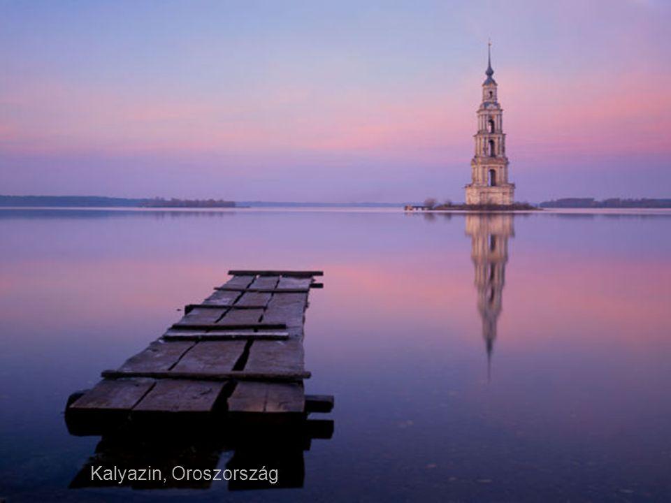 Decebal dák király szobra a Duna szorosban, Románia-Szerbia határán.