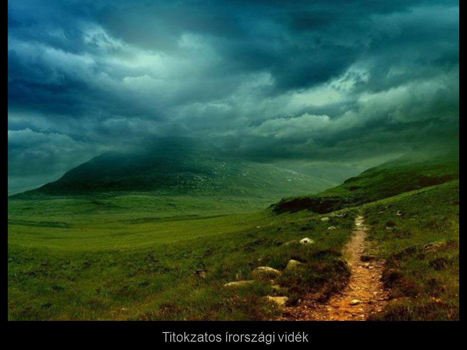 Athén látképe a Lycabettus hegyről, Görögország.