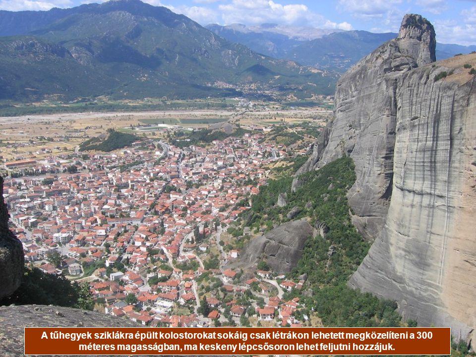 A 24 kolostor mindegyike elmúlt már 600 éves, melyek közül ötben máig élnek szerzetesek.