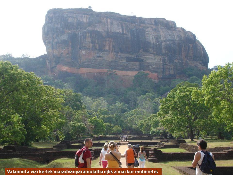 Az erőd része Srí Lanka hét világörökségének, az itt látható freskók, a hatalmas kőoroszlánok,