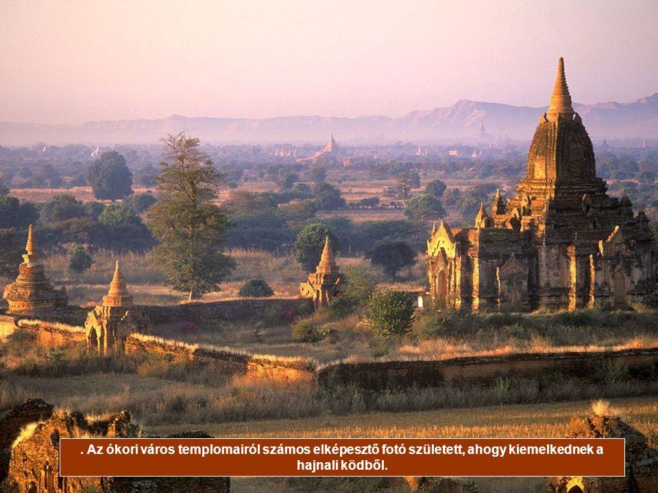. Az ókori város templomairól számos elképesztő fotó született, ahogy kiemelkednek a hajnali ködből.