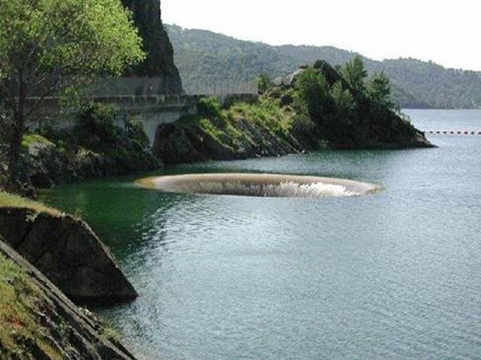 Dicsőség Lyuk – Monticello Víztározó, Kalifornia A víztározó leeresztéséhez működtetik. Másodpercenként 10.000 köbméter elnyelésére képes.