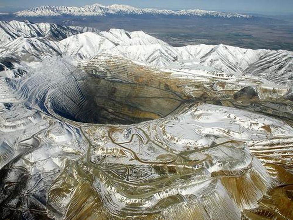 Bingham Bánya, Utah állam Valószínűleg a legnagyobb ember általvégzett földkitermelés. A bányát 1863 – ban nyitották meg, jelenleg is működik. Jelenle