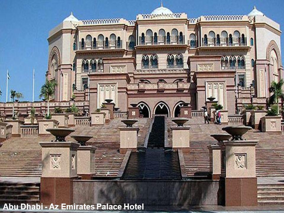 Abu Dhabi - Az Emirates Palace Hotel-bejárat