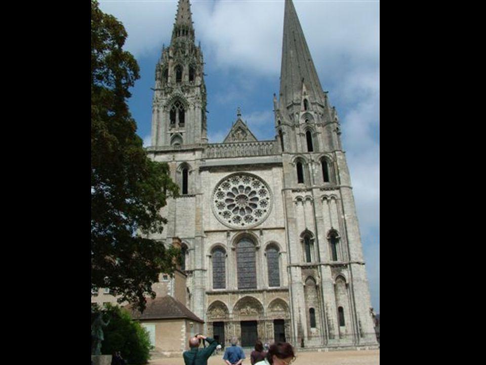 Ennek a templomnak ez a fele kb. 1500 éves, 500 körül épült