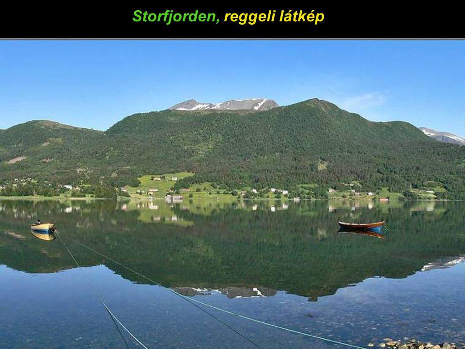 Storfjorden, reggeli látkép