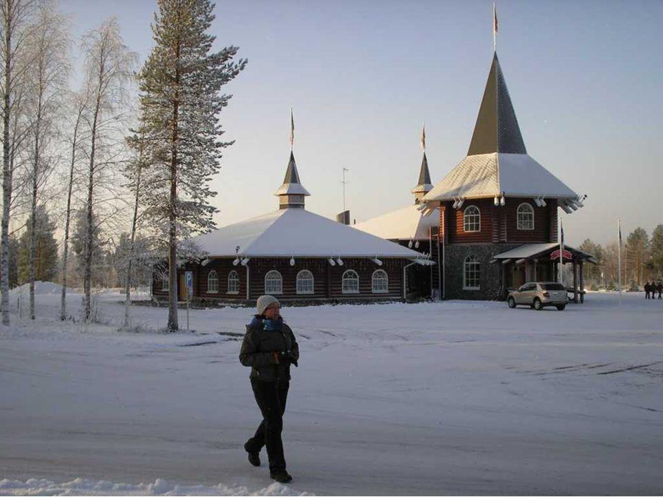 LOFOTEN SZIGETEK Lofoten egy szigetcsoport és hagyományos régió Norvégia északi részén, Nordland megyében.