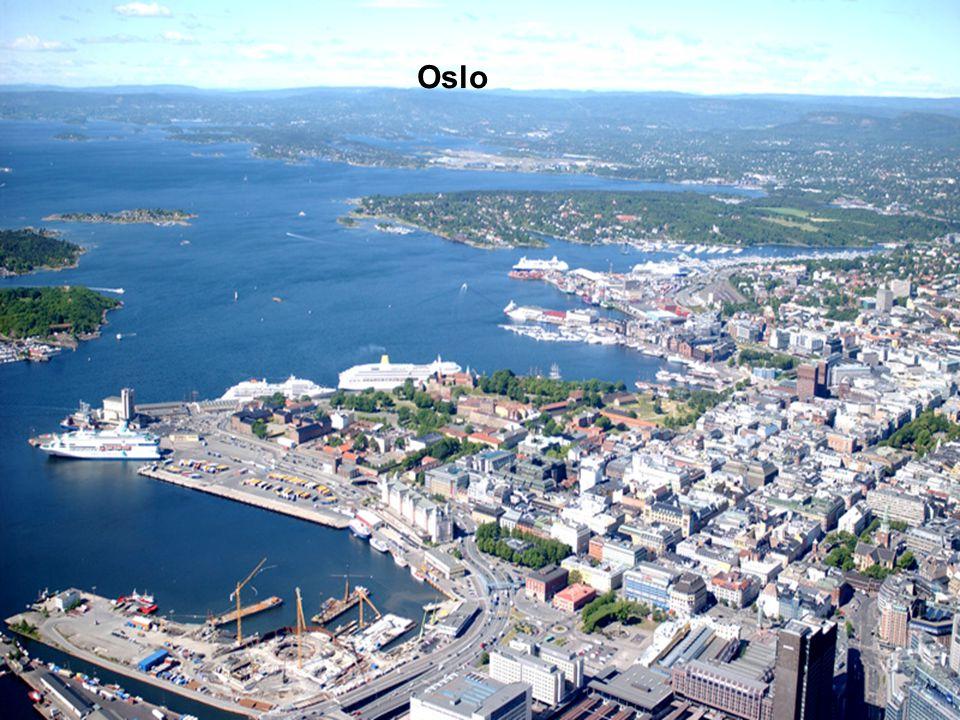 Norvégia kiterjedése a Dél – Amerikai Chiléhez hasonlítható. Fjordokkal és szigetek ezreivel erősen tagolt partvonala több mint 25 000 km. Az Északi-s