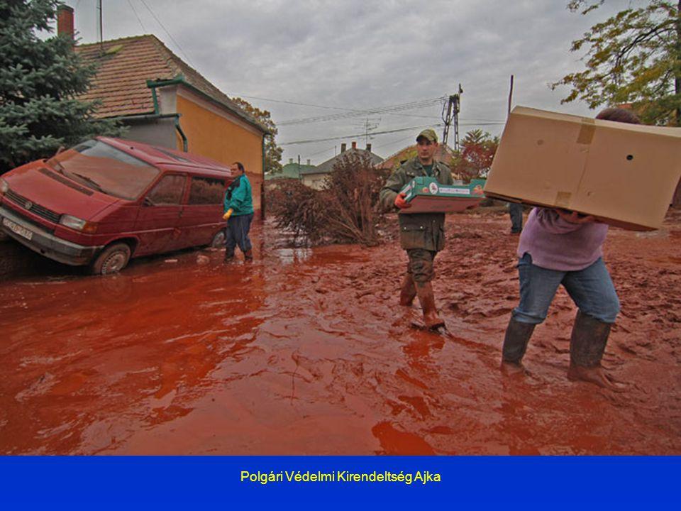 Az áradás Az iszap 3-6 perccel a gátszakadást követően öntötte el a 750 m-re lévő első kolontári lakóházakat, 14 órára átvonult a településen, s 13.20 órakor érkezett meg Devecserbe.
