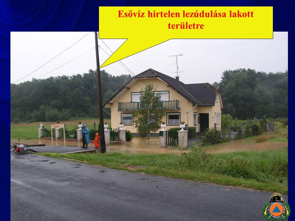 Esővíz hirtelen lezúdulása lakott területre