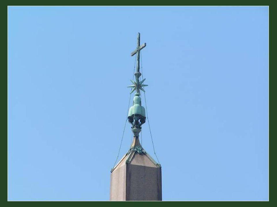 Emléktábla az obeliszken