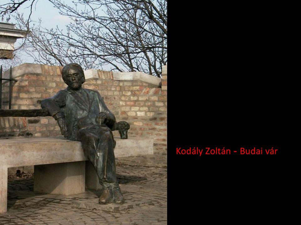 József Attila - Budapest (itt tényleg a Dunánál… azóta visszahelyezték a térre)