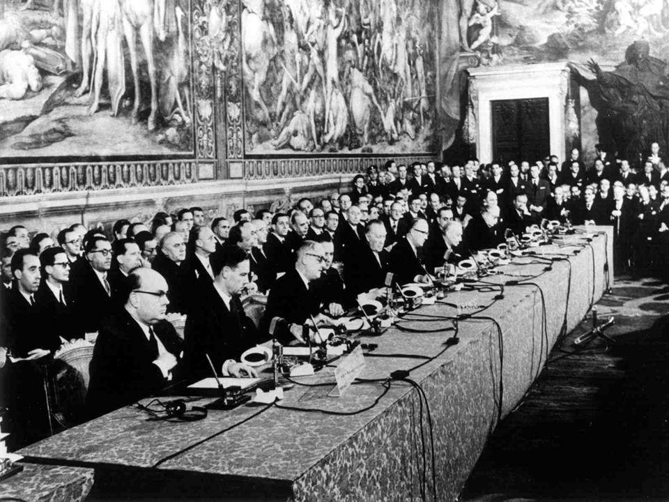 A Régiók Bizottsága évente öt plenáris ülést tart, melyekre 6 szakmai bizottságban készülnek el az előterjesztések.