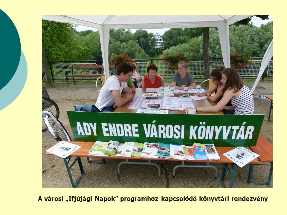 """A városi """"Ifjújági Napok programhoz kapcsolódó könyvtári rendezvény"""