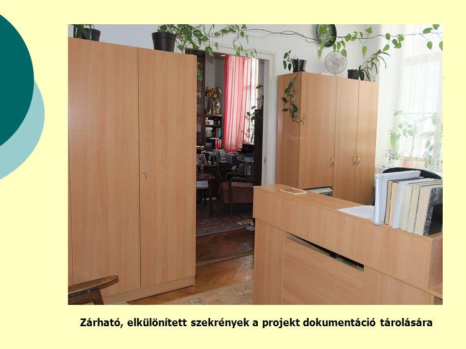 Zárható, elkülönített szekrények a projekt dokumentáció tárolására