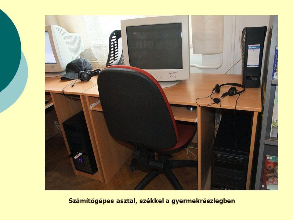 Számítógépes asztal, székkel a gyermekrészlegben