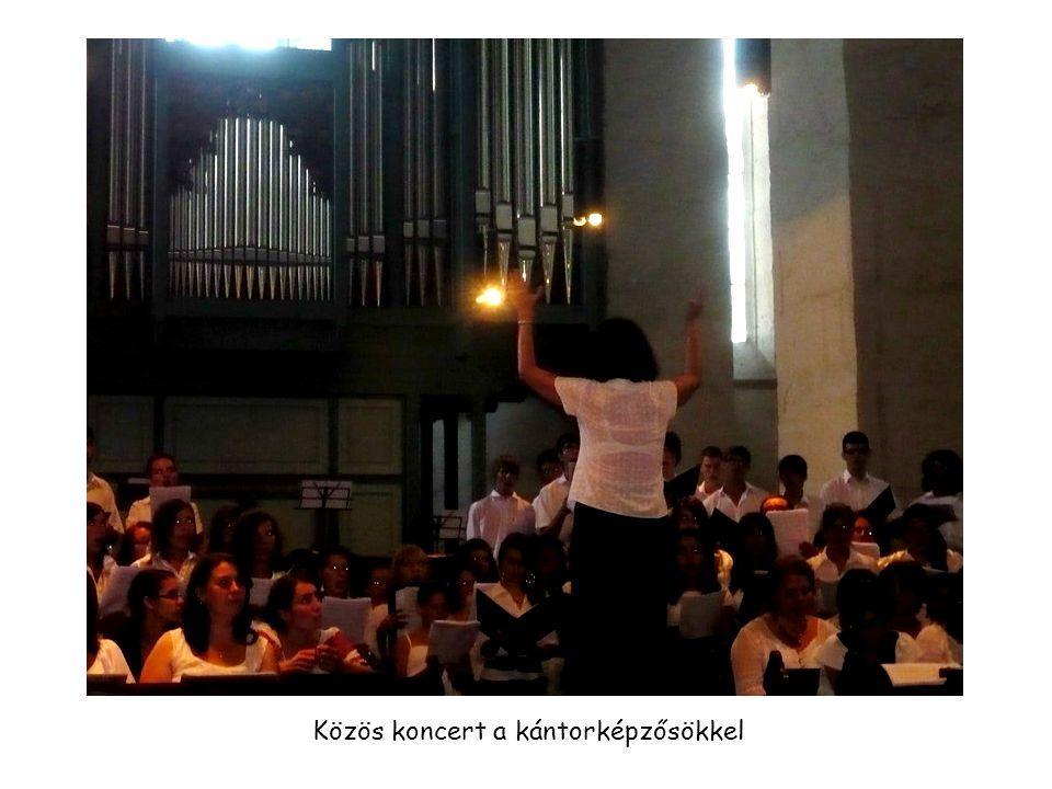 Közös koncert a kántorképzősökkel