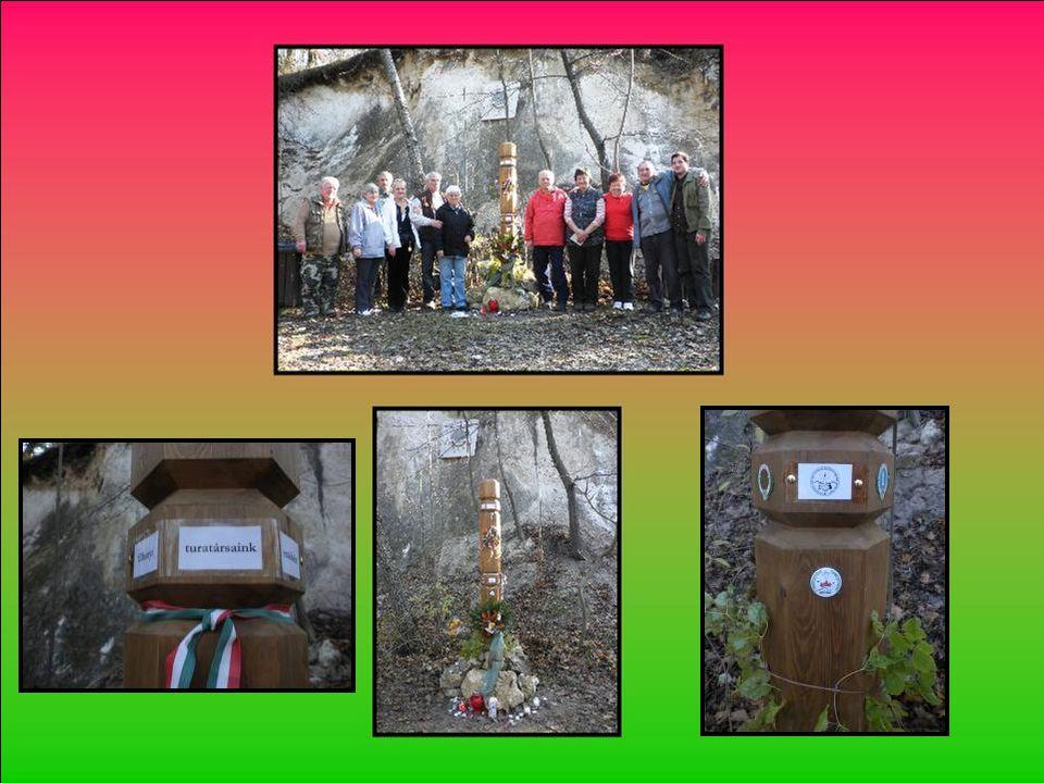 Felállította az emlékoszlopot a természetbarátok adományaiból a Budapesti Természetbarát Sportszövetség Természetvédelmi és Természetismereti Bizottsá