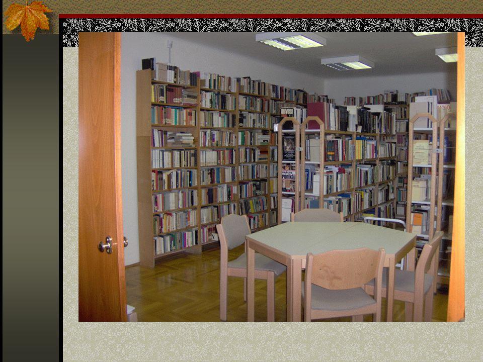 Iskolai könyvtárak: gyűjtőköre általános, de főként az adott oktatási intézmény oktatási struktúrájához igazodó kiadványok (pl. szótárak, kötelező olv