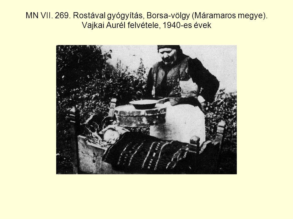 MN VII.280. Fejfájós homlokának masszírozása, Borsa-völgy (Szolnok-Doboka megye).