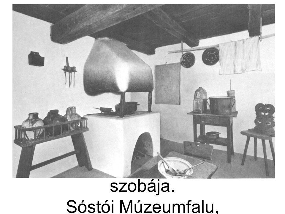 A tiszabecsi lakóház első szobája. Sóstói Múzeumfalu, Nyíregyháza.