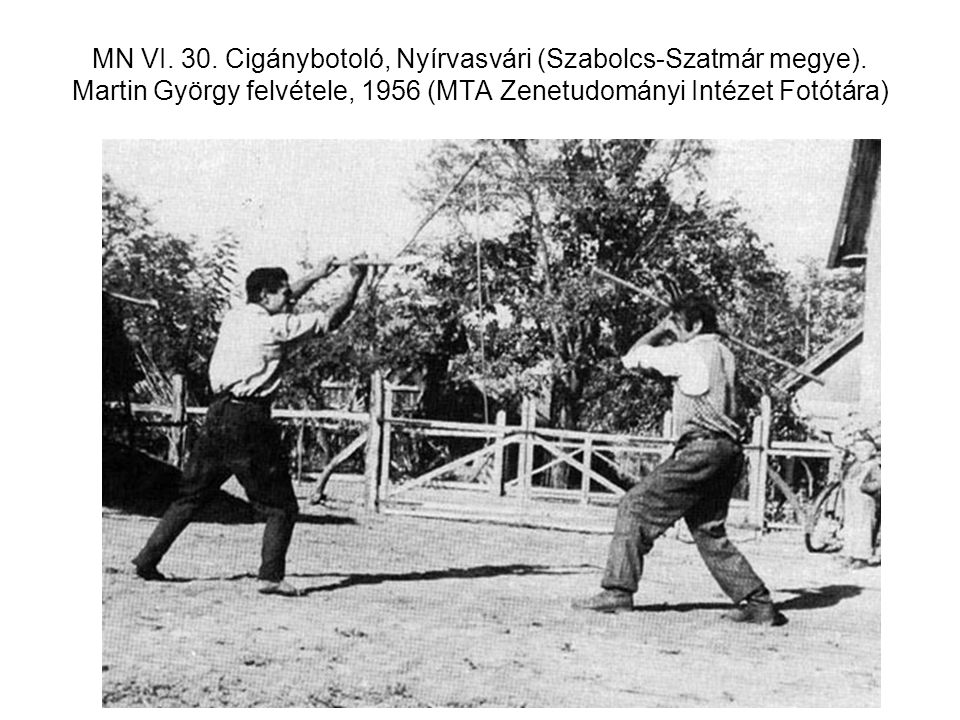 MN VI. 30. Cigánybotoló, Nyírvasvári (Szabolcs-Szatmár megye). Martin György felvétele, 1956 (MTA Zenetudományi Intézet Fotótára)