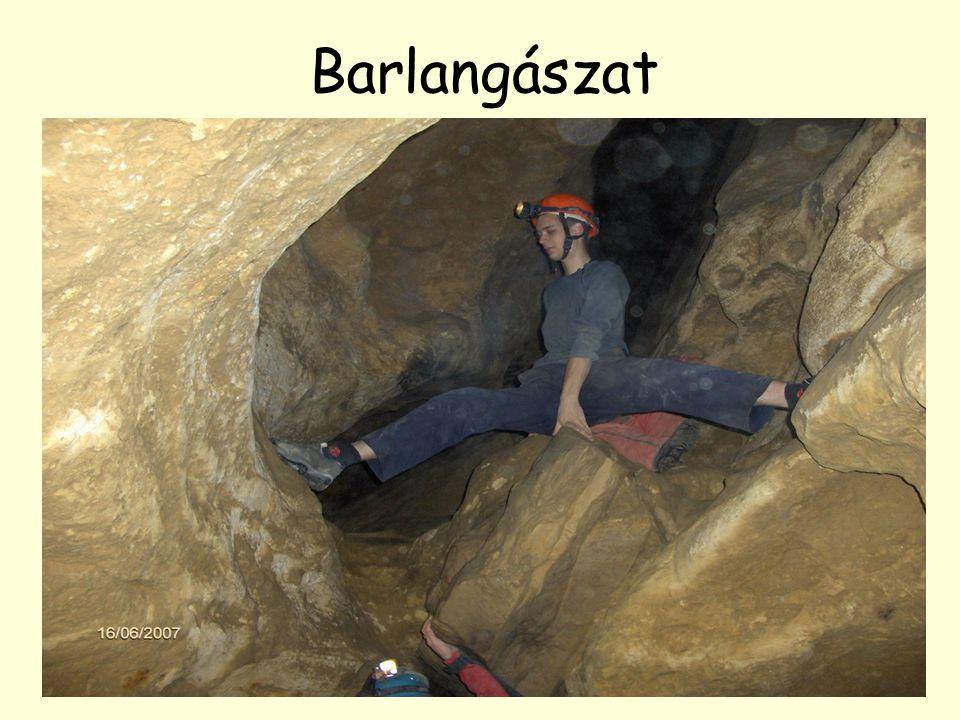 Barlangászat