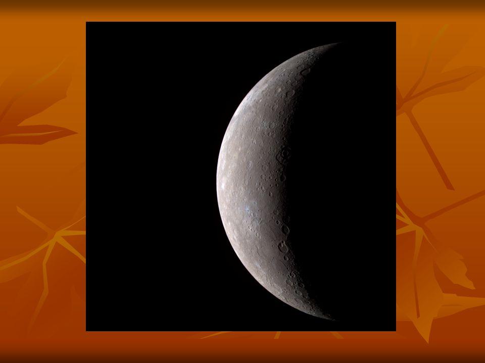 A Merkúr sok tekintetben hasonlít a Holdra: felszínét számos kráter borítja, nincs természetes holdja, és nincs állandó légköre.