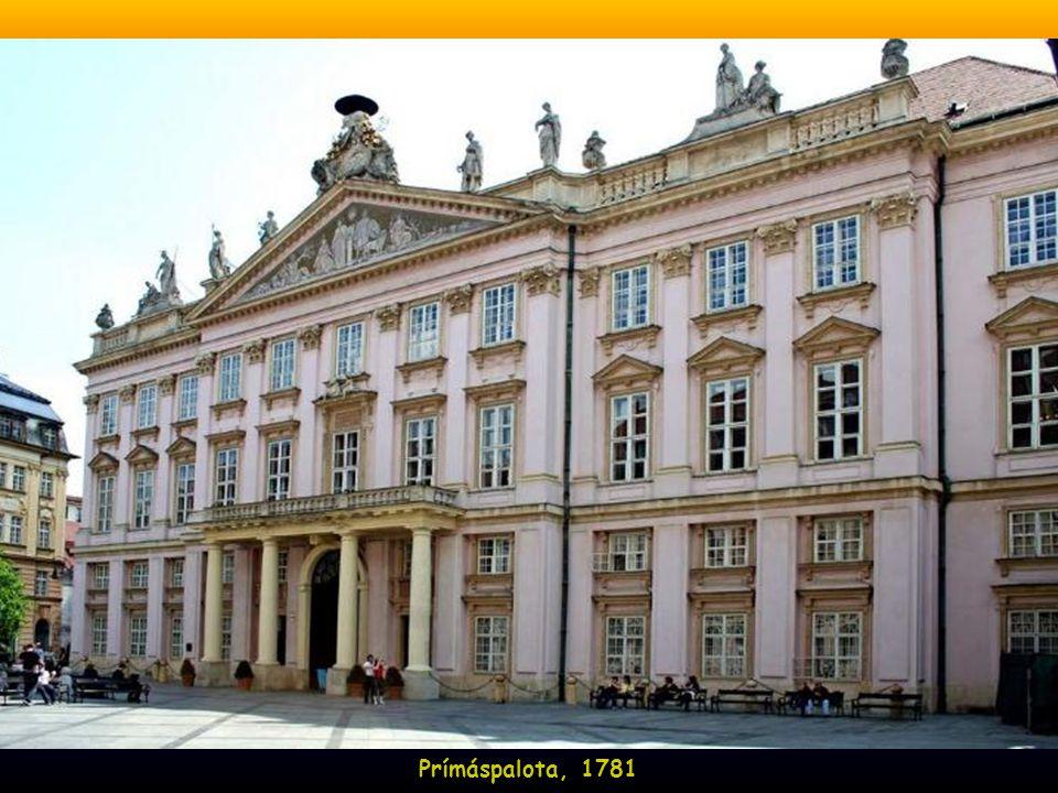 A volt jezsuita kollégium, 1635-ben építtette Pázmány Péter
