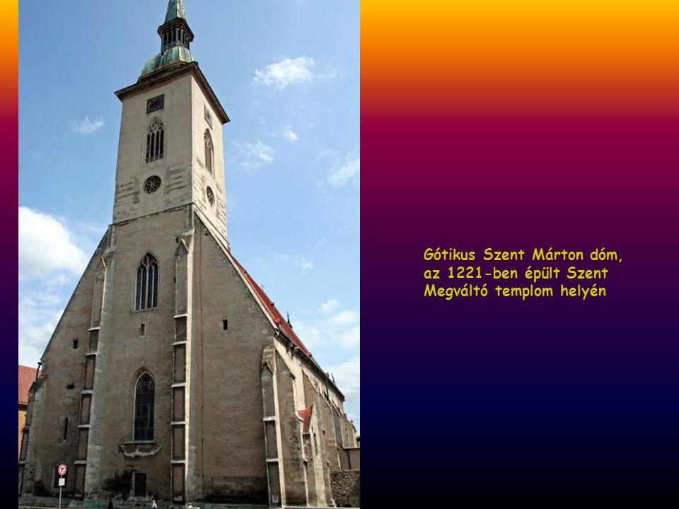 Gótikus Szent Márton dóm, az 1221-ben épült Szent Megváltó templom helyén